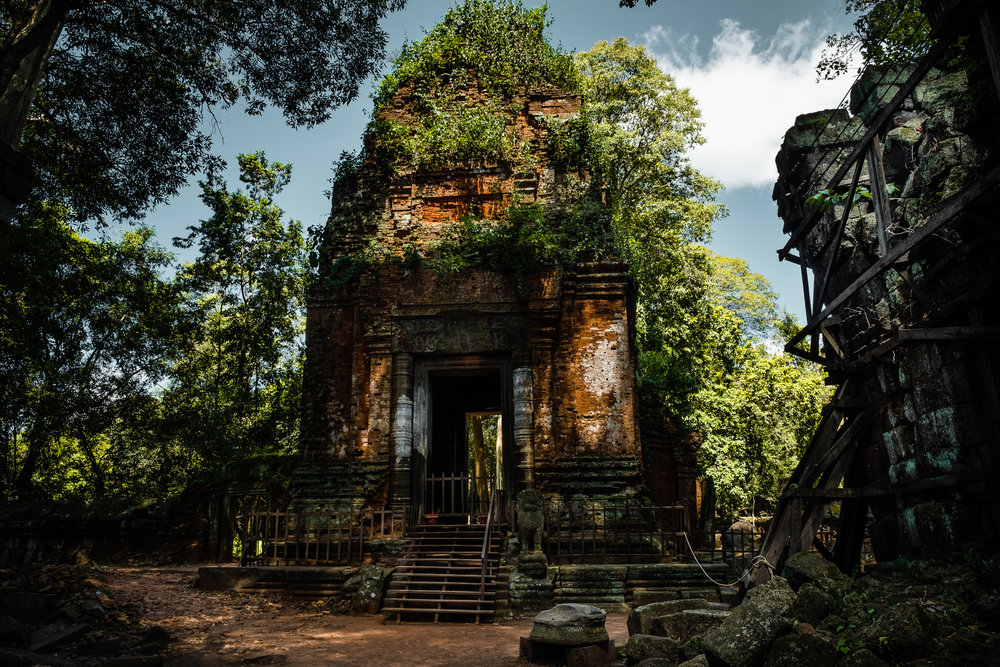 Another of the few accessible temples in Koh Ker area. Most of these temples are set in jungle areas which make them visually very attractice and photogenic.