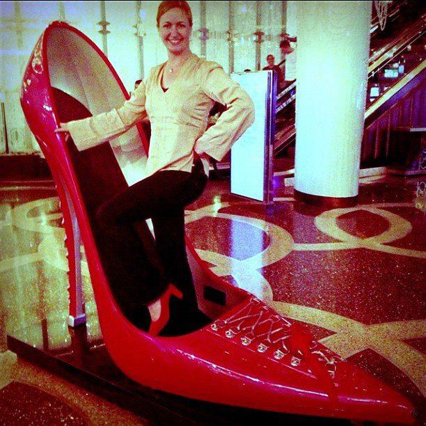 Oversized Shoes? LLXLLQ