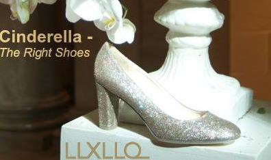SAVE THE DATE LLXLLQ Cinderella - The Right Shoes
