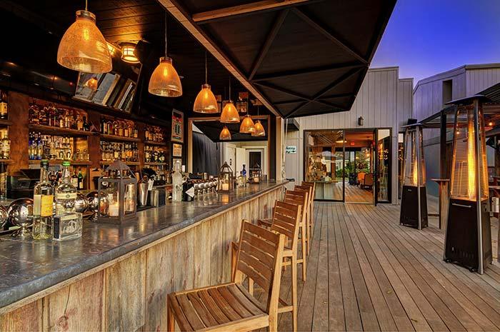 montauk-beach-house-cocktail-bar