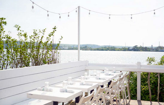 waterfront-bars-montauk.jpg