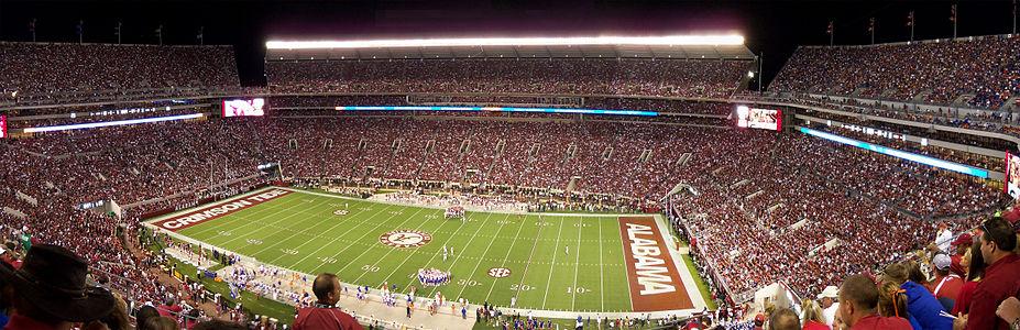 927px-Bryant-Denny_Stadium_panoramic_2010-10-02[1].jpg
