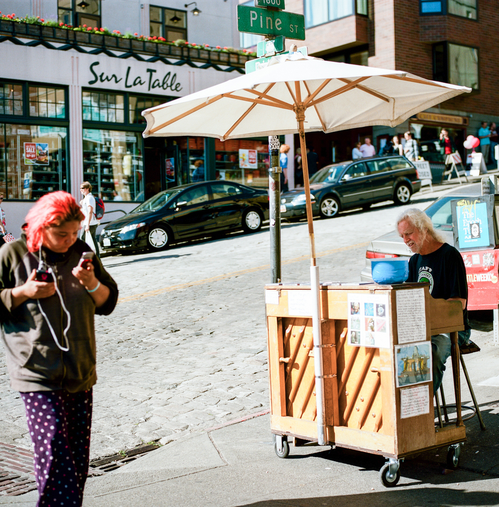 Pike Place Market, Seattle. Street Photos by Leilanika Abalos.