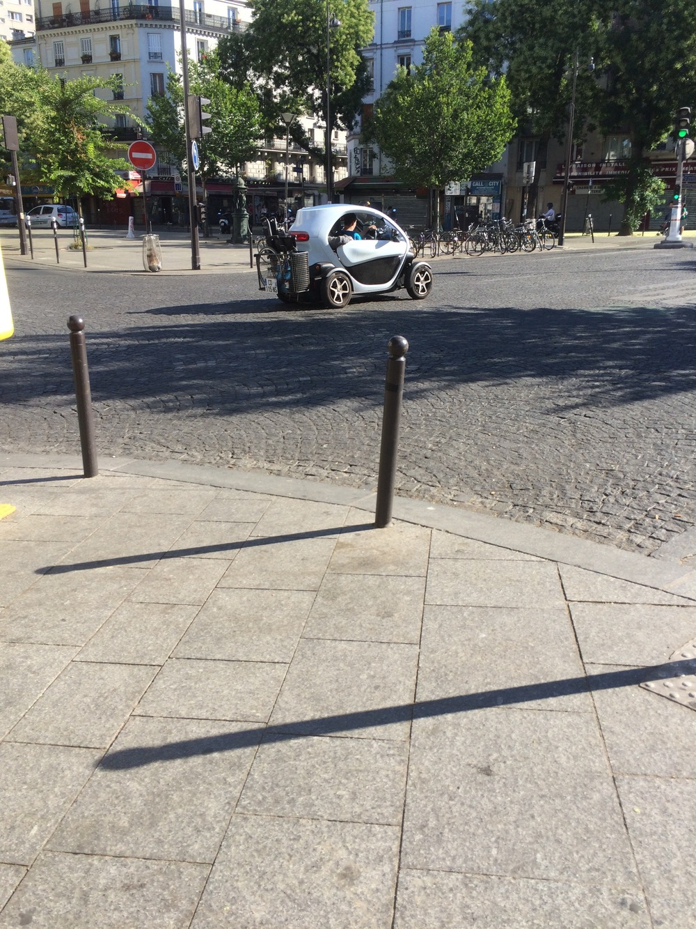 Elliot spotted this Twingo, complete with wheelchair on the back