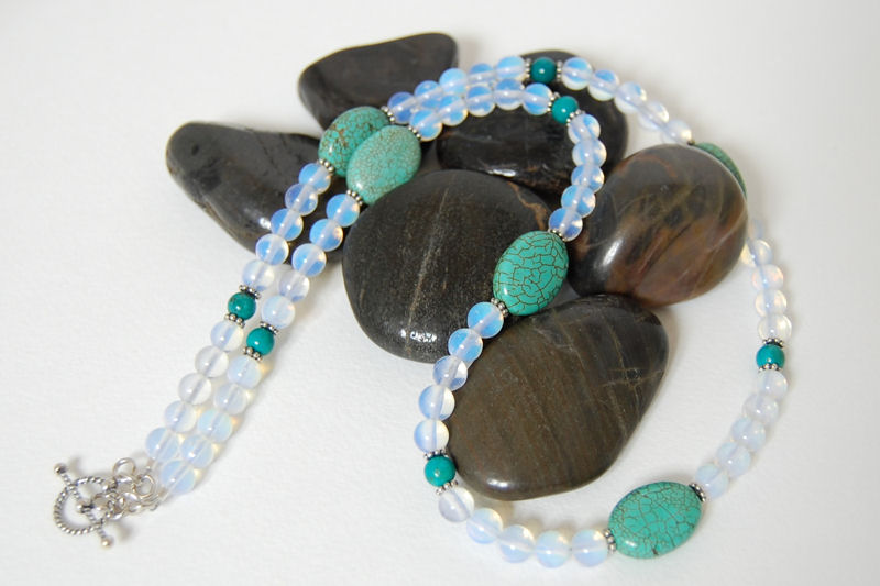 Turquoise Opalite Daisy Necklace.jpg