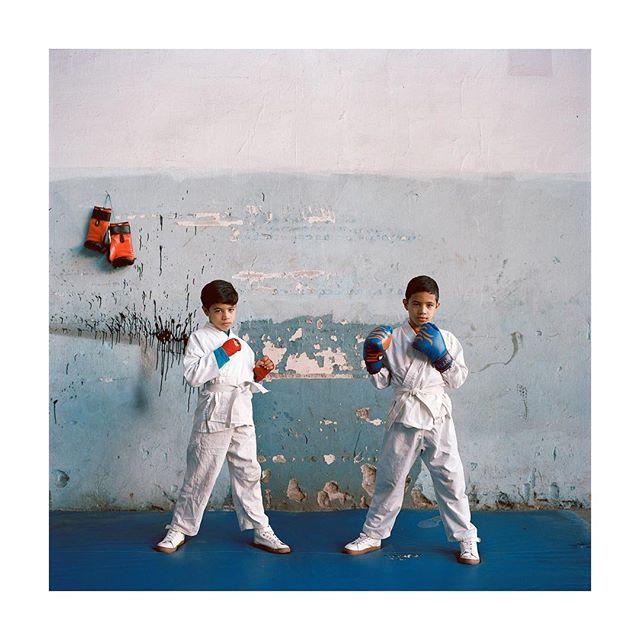 Islam et Nidal  Les inséparables 2019  #twins #series #photography #hasselblad500cm #portra400 #film #analog #marrakech #galeriedarelbacha