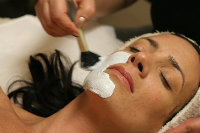 10458129-dyanna-spa-expert-face-skin-care-facials-microdermabrasion-treatment-new-york.jpg