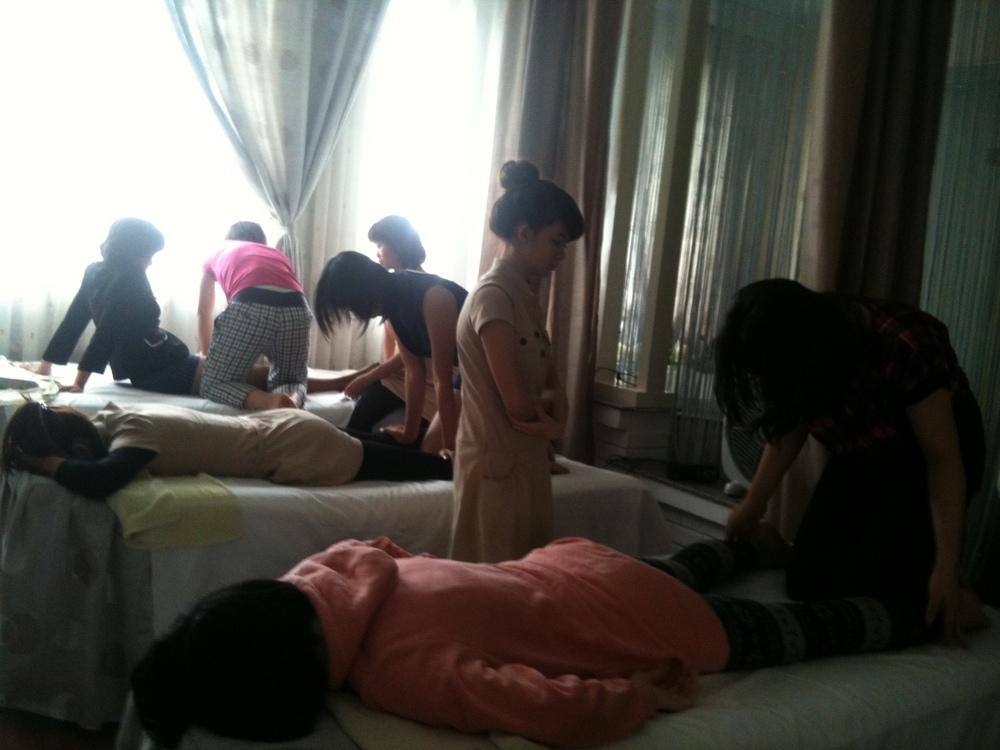 Khoa hoc dạy Massage body 1.JPG