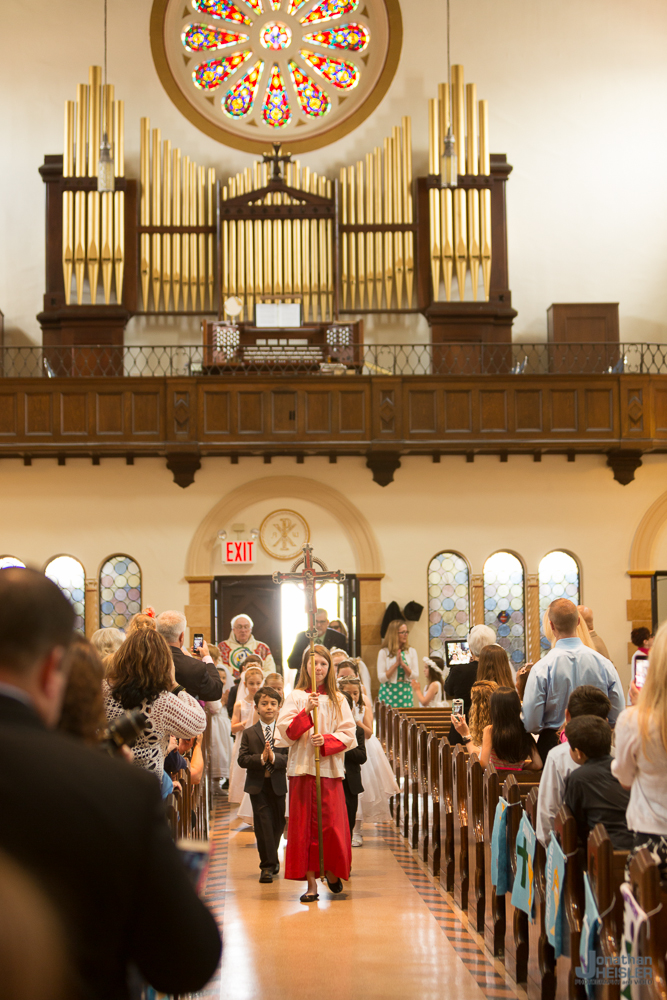 Communion_ St. Ignatius Martyr Church  _ Long Beach NY  _  Jonathan Heisler _019.jpg