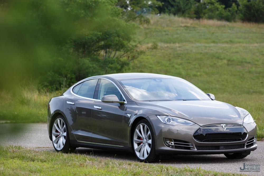 Tesla Motors P85D _ Jonathan Heisler _ Magnises _ Monmouth Jet Center (1).jpg
