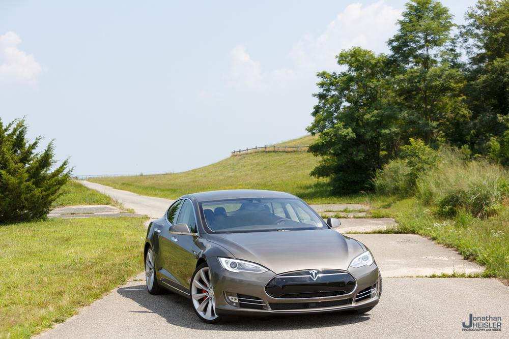 Tesla Motors P85D _ Jonathan Heisler _ Magnises _ Monmouth Jet Center (2).jpg