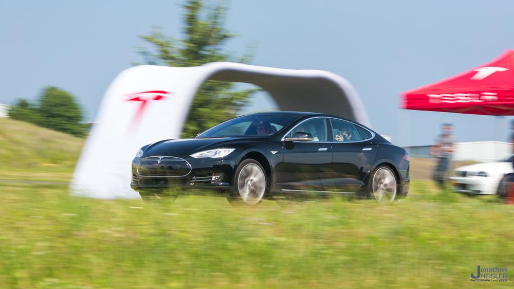 Tesla Motors P85D _ Jonathan Heisler _ Magnises _ Monmouth Jet Center (6).jpg