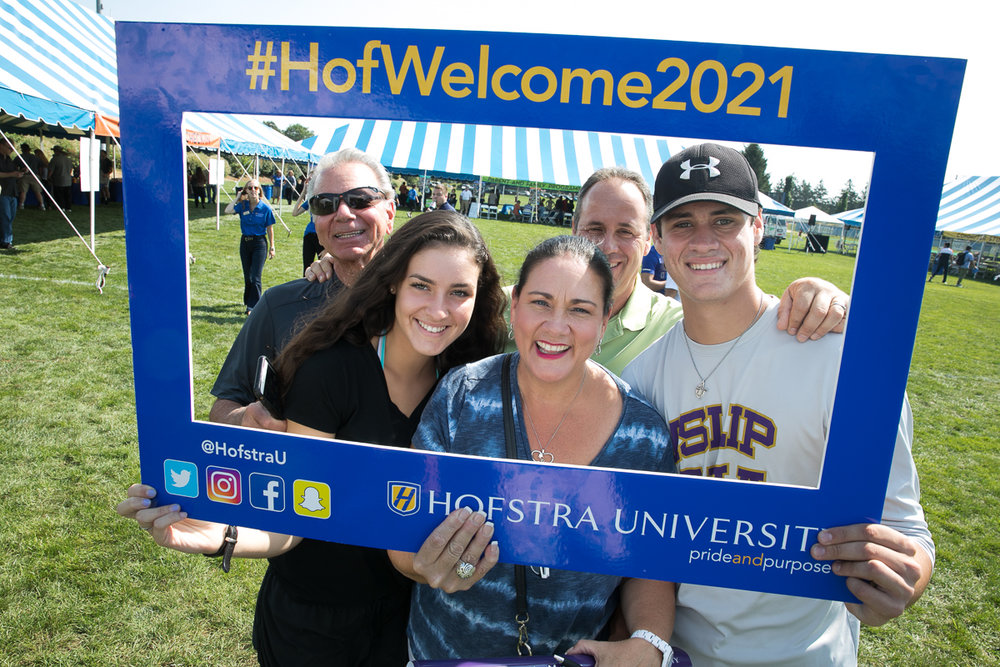 Photographer: Jonathan Heisler, Hofstra University Photographer