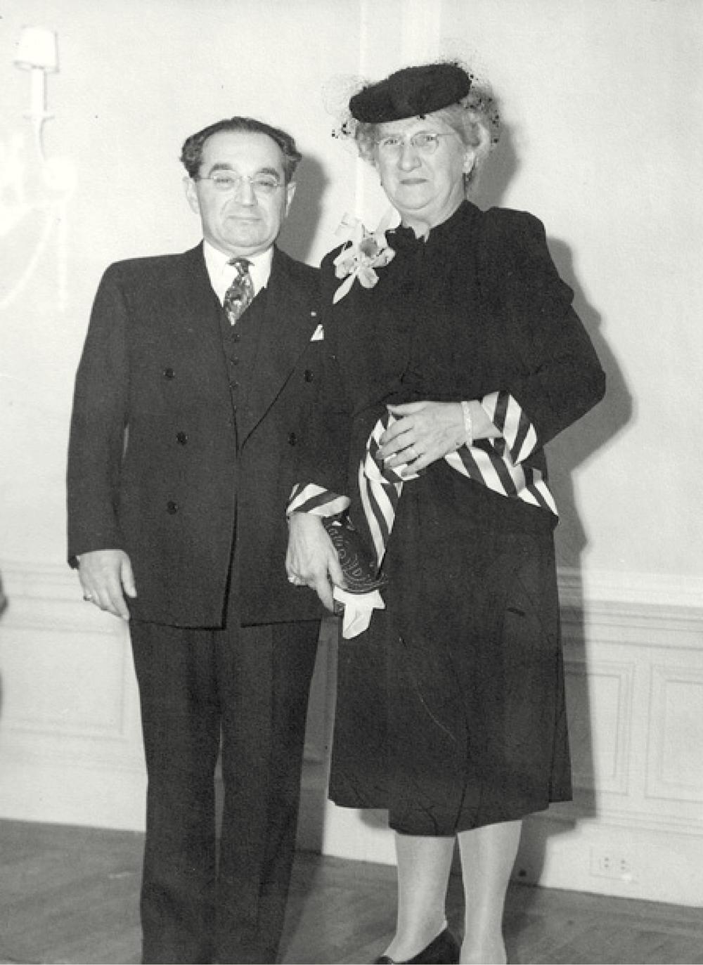 Barnett and Rachael Esh, 1945
