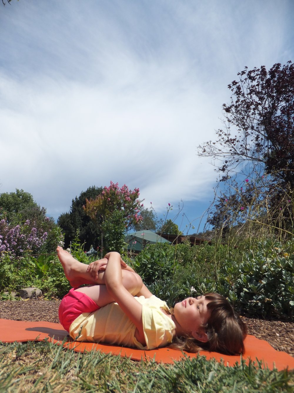 kids_yoga_knees-300x200.jpg