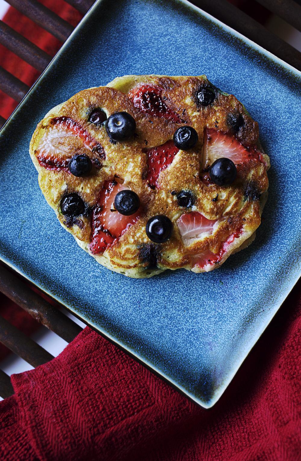 StrawberryBlueberryPancake01.jpg