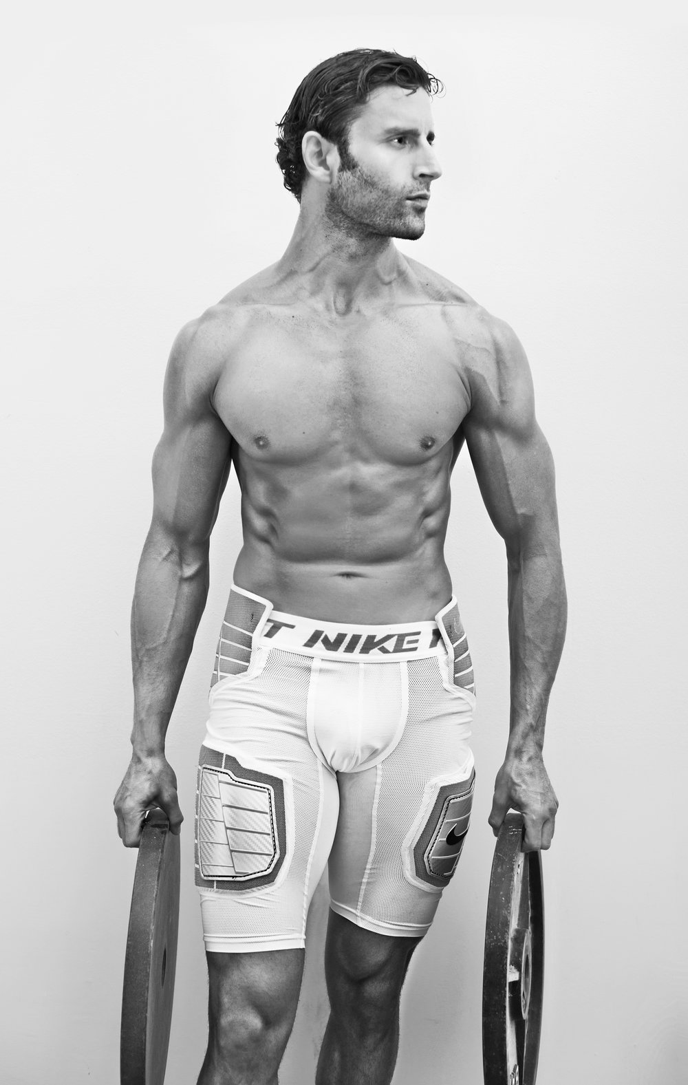 Jacob_Nike_BW_Editorial_Weights_01.jpg