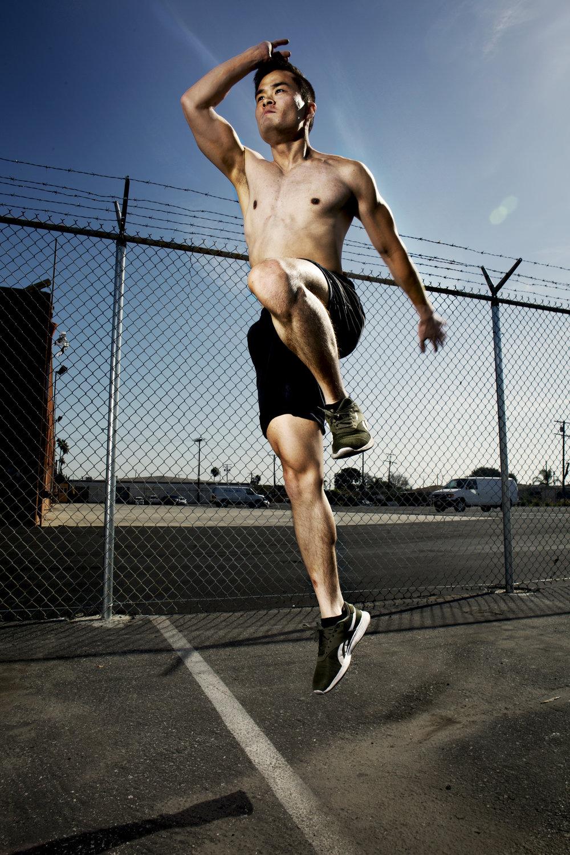 Josh_HighKnee_Action_Fitness_01.jpg