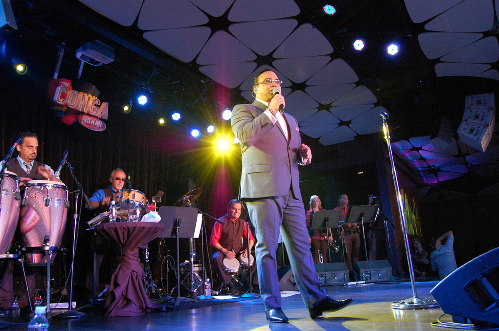 Gilberto Santa Rosa, Conga Room. Photography Virginia Bulacio, La Opinión.