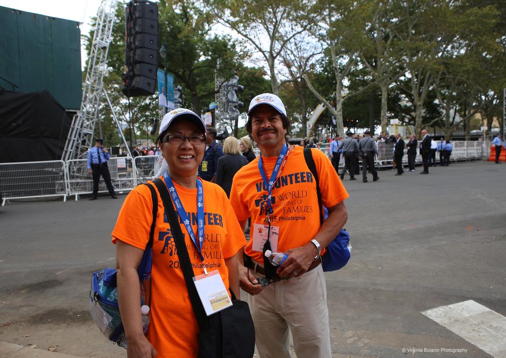 Una de las tareas de los voluntarios era recibir y dirigir a los peregrinos durante el 22 al 27 de septiembre en el Encuentro Mundial de las Familias en Filadelfia.