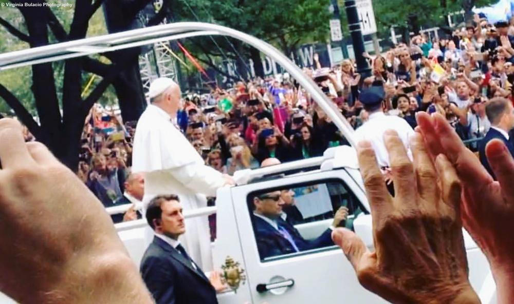 El papa Francisco en su papamóvil en Filadelfia. Foto: Virginia Bulacio,2015.