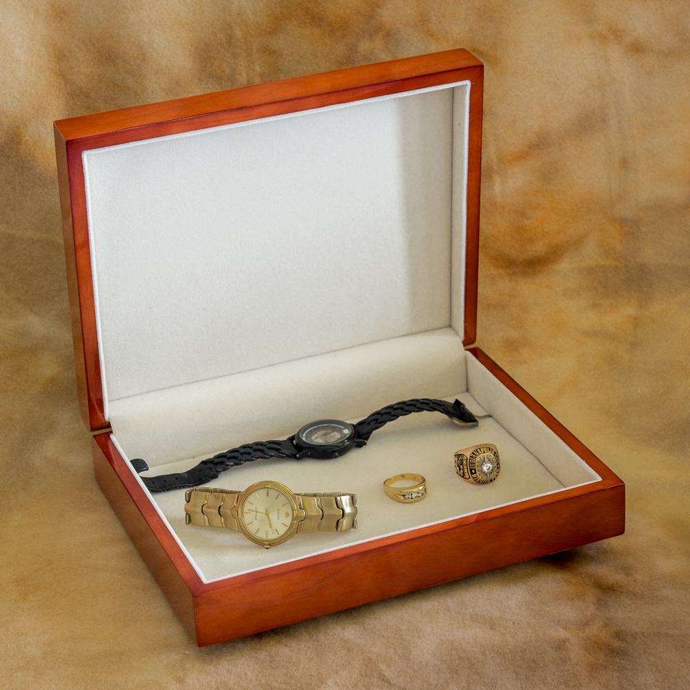 Keepsake_box_watches_open_by_Terrence_Robertson-Fall-10.jpg