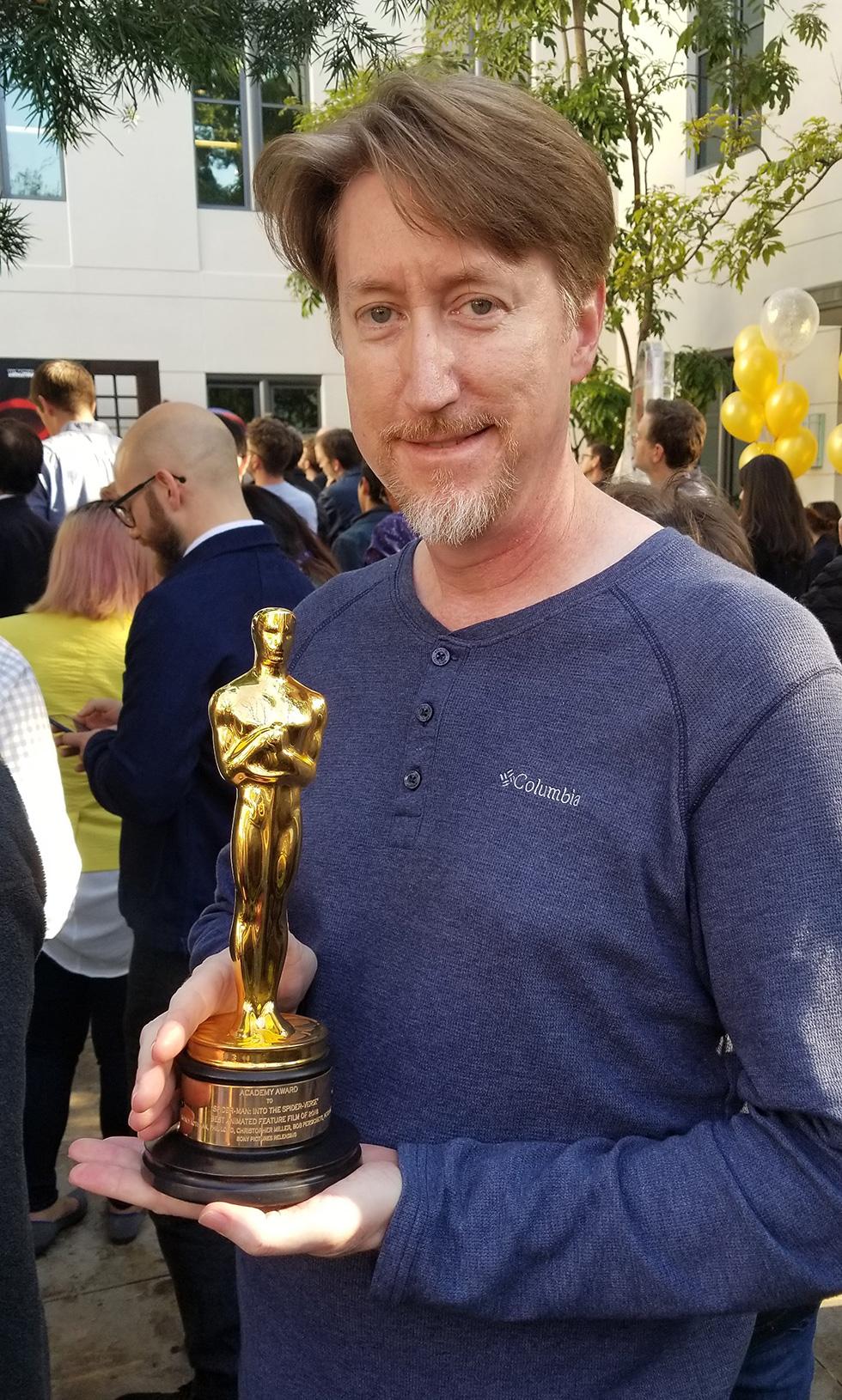 Posing with Oscar@0,5x.jpg