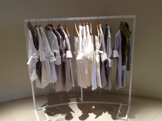 CLOTHES HANG RACK