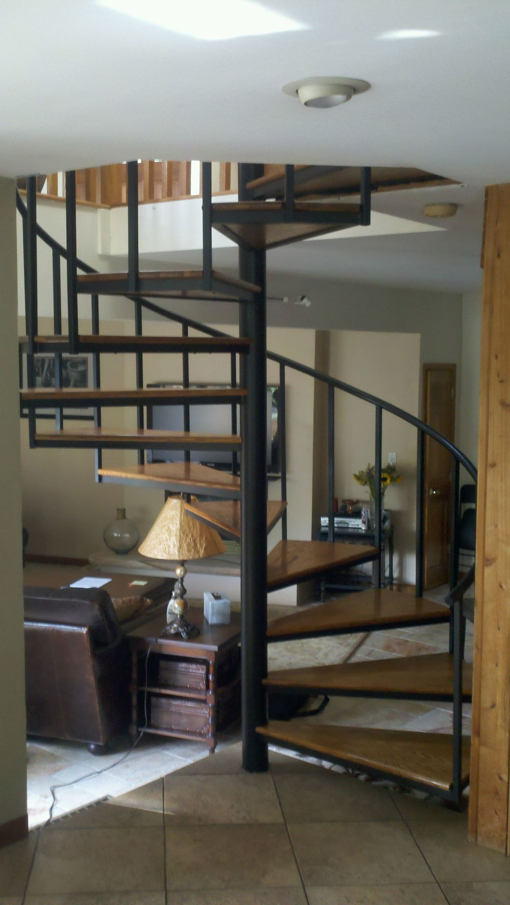 RESIDENTIAL SPIRAL STAIRCASE
