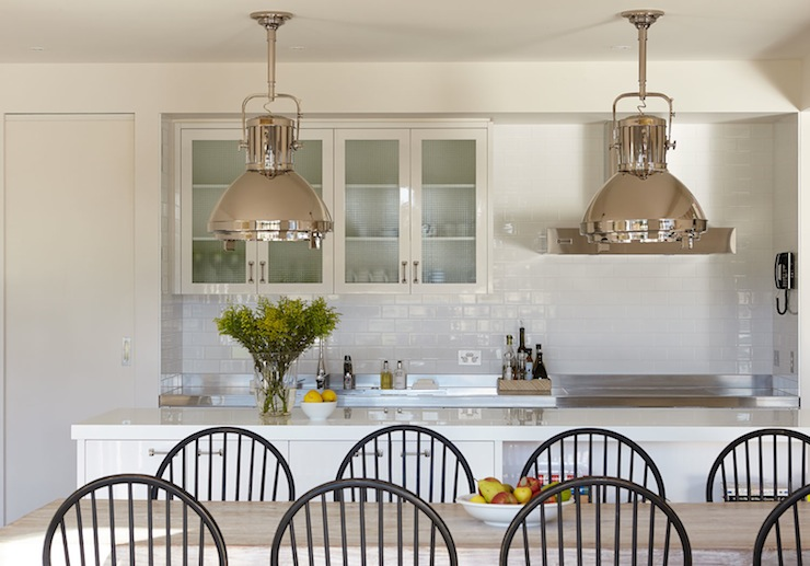 While my kitchen is being updated I share a kitchen with the minimalist look I value.