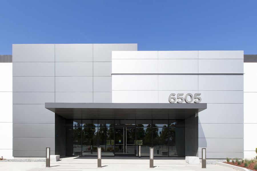 6505Kaiser Entrance3.jpg