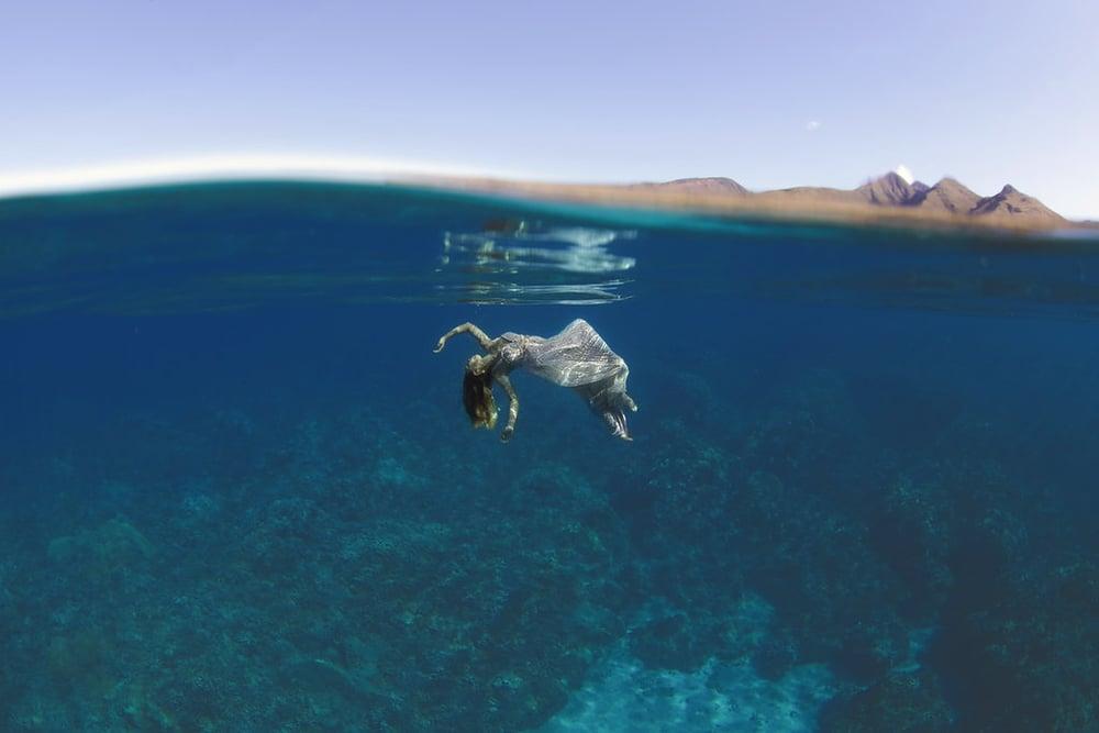 Underwater-Trash-Dress-Joelle-Perry-Gown-Maui-20.jpg