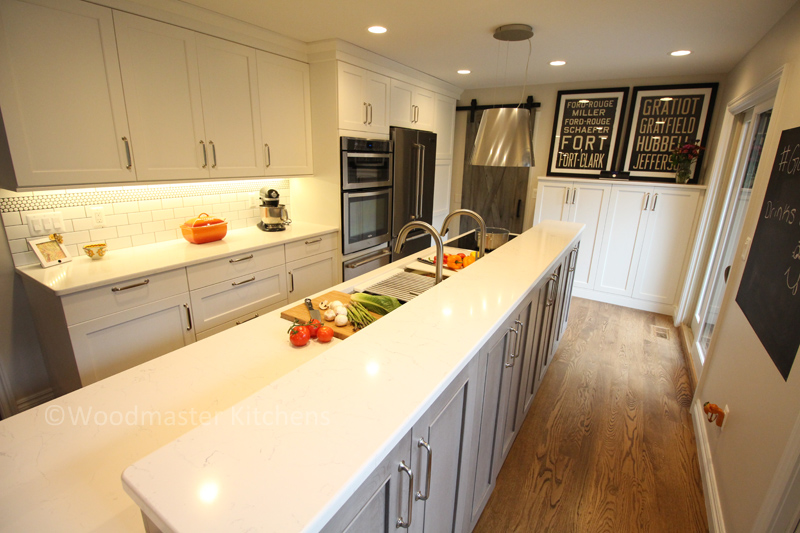 Kitchen island with quartz countertop