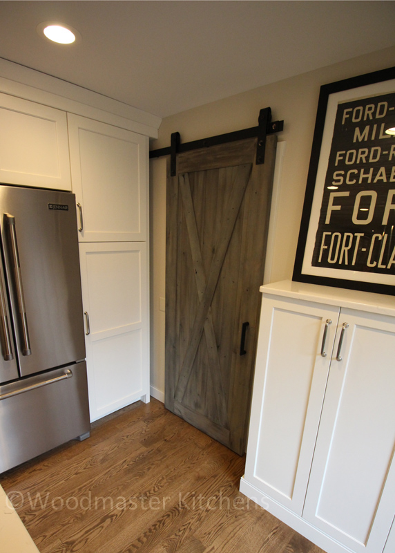 Kitchen design with barn door