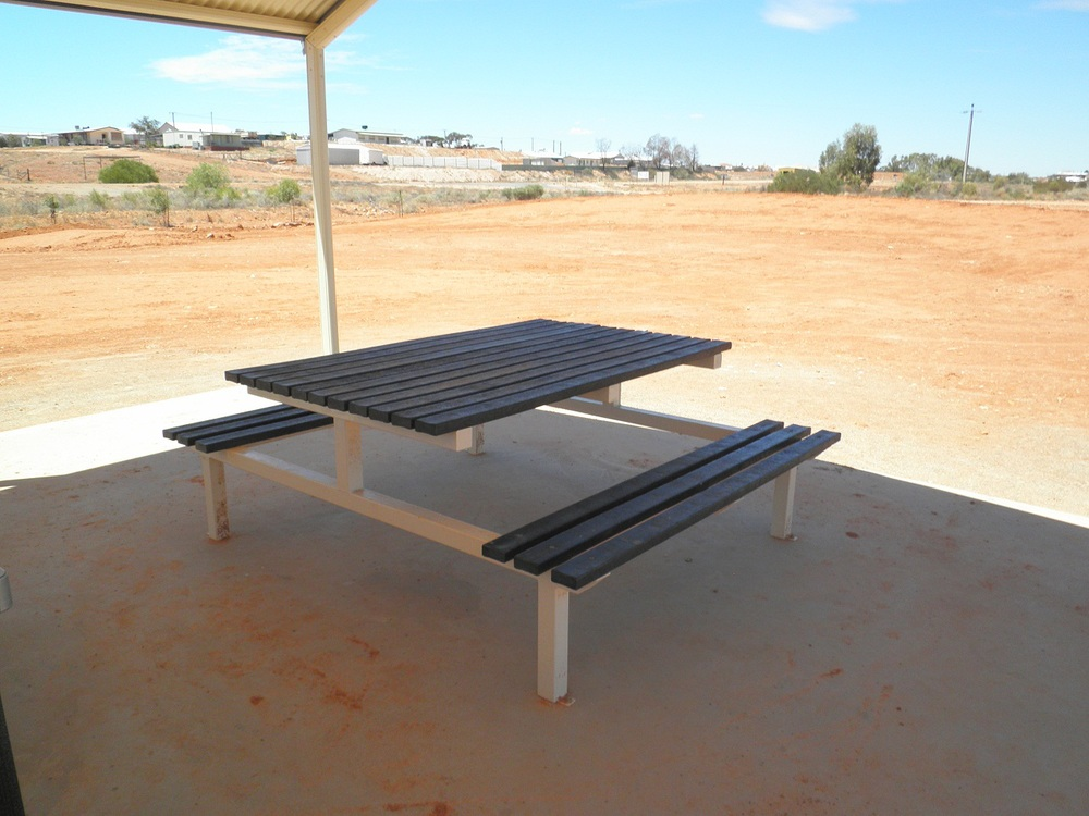 Bench slats recycled plastic 85 x 35 x 1800 A.JPG