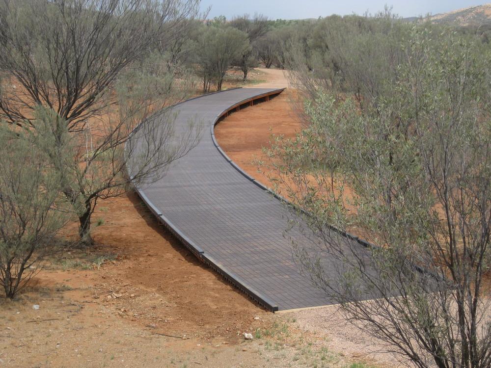 Elevated bike path bridge, Simpsons Gap.jpg