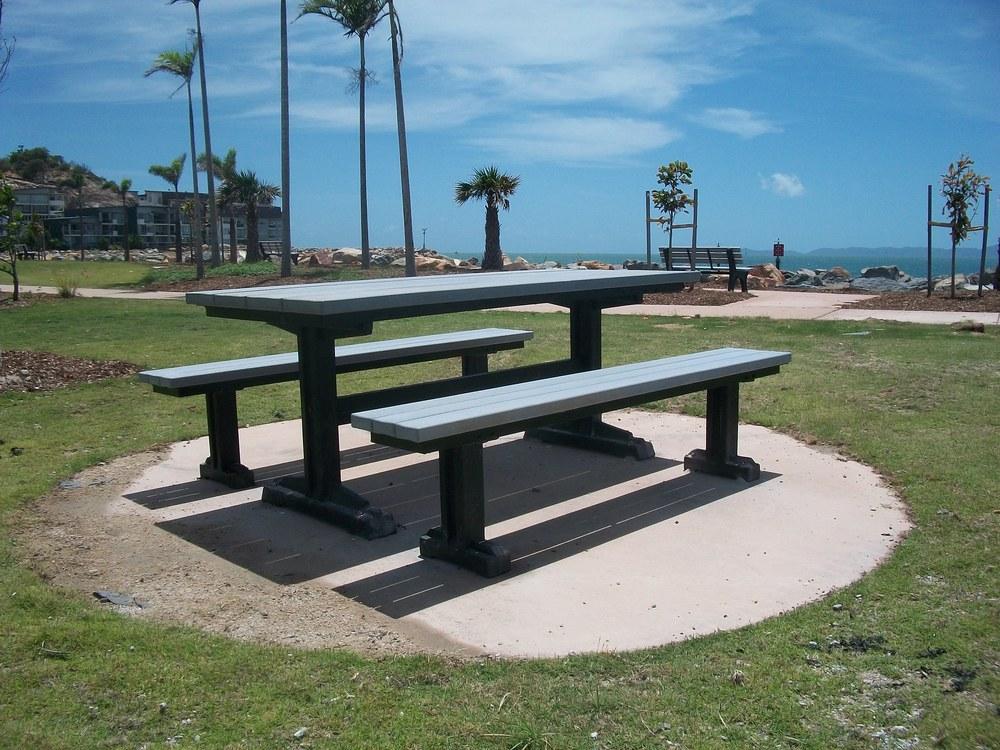 picnic table.JPG