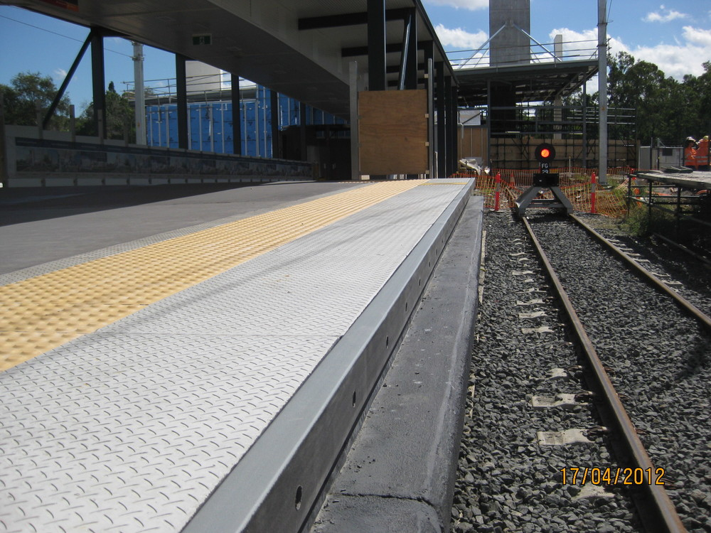 Railway station bump rail B.jpg
