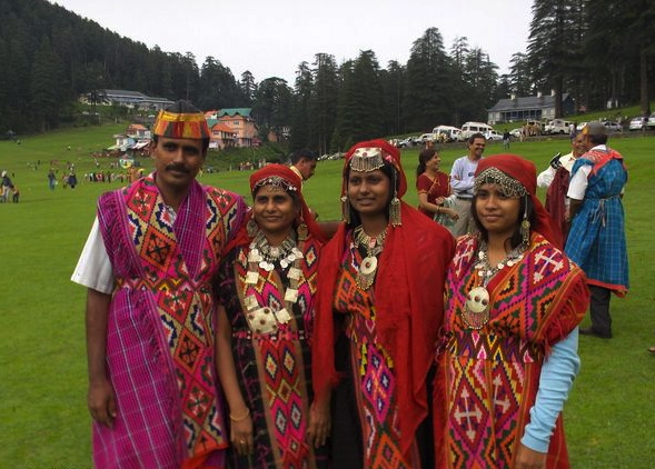 Traditional Himachal shawls with pattu