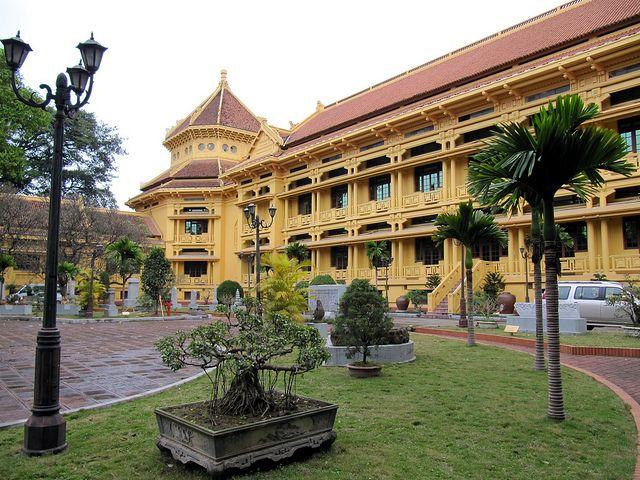 National Museum of Vietnamese History /国立ベトナム歴史博物館 source: pinterest
