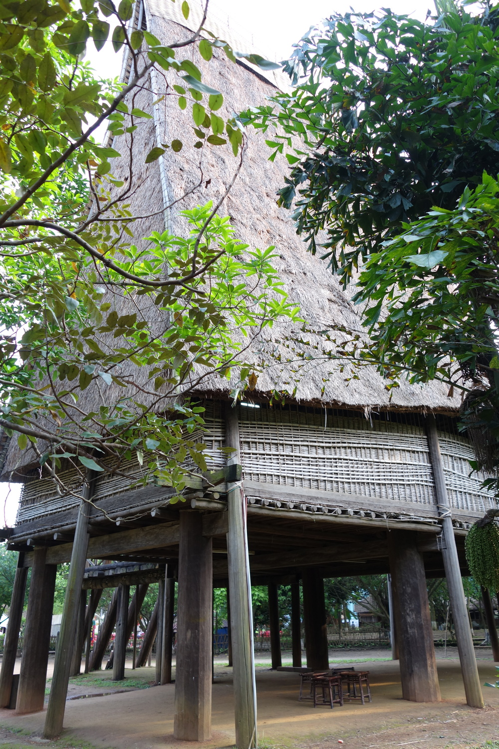 the ethnic group house no.1 / 民族の住宅その1