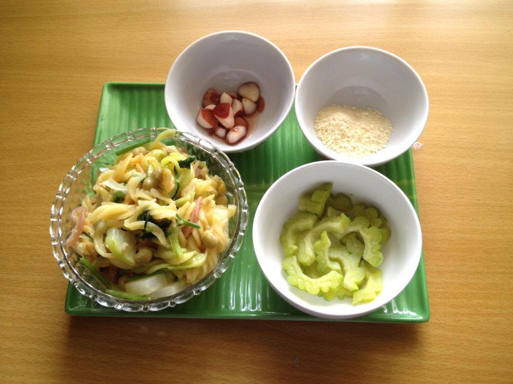 lunch made by the landlord / 大家からの差し入れお昼