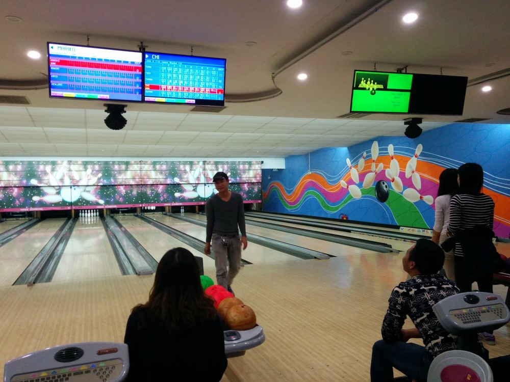 bowling in hanoi