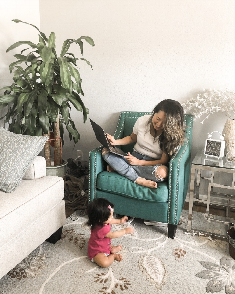 I know my other mamas can relate, but juggling a crying baby, answering emails, working on your website, writing blogposts, editing photos, etc.. can become a sh*tshow if you don't prepare for it.  So today I'm sharing 5 tips on how you can work from home with a baby.