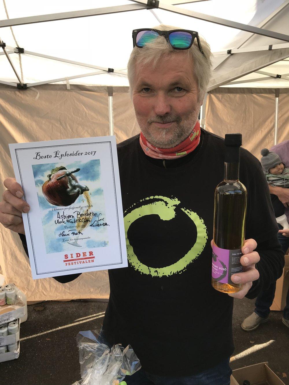 Vinner Asbjørn Børsheim Ulvik Frukt & Cideri. Fotograf Siderfestivalen