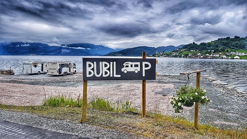 Øystese Bubilparkering.Foto: Jarle Nilssen.