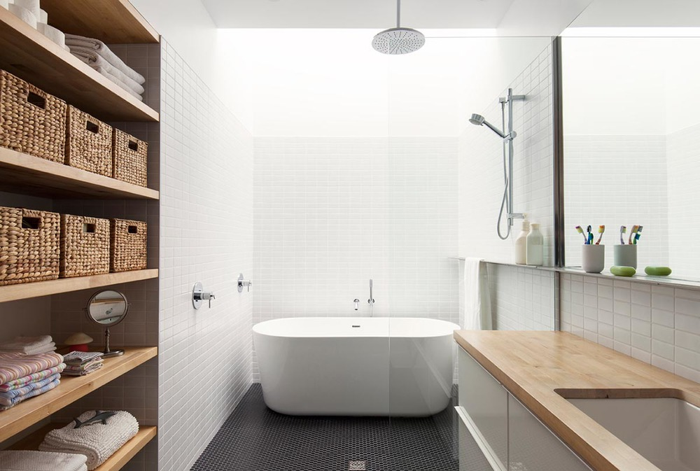Le sigh. A stunning, clean, organized bathroom bathed in natural light. (If you dig this, you'll dig the rest of the de Gaspé home) Photo courtesy  La Shed , photographer:  Maxime Brouillet .
