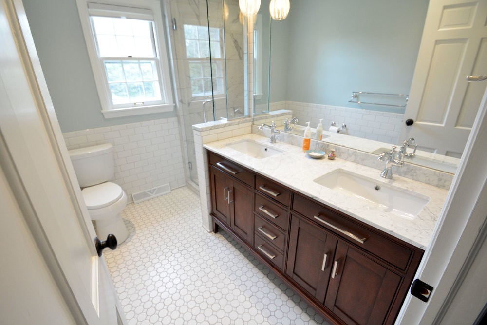 This Indianapolis home needed two new bathrooms. The old ones were dated and weren't going to help sell the home for top dollar. SYI came in and selected classic, timeless materials that matched the style of the home and didn't break the bank. You can see the project here.