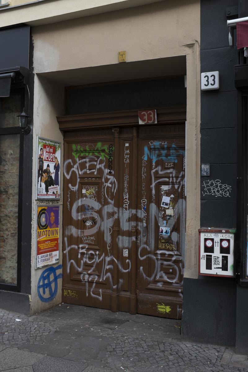 Onto Oranienstraße 33
