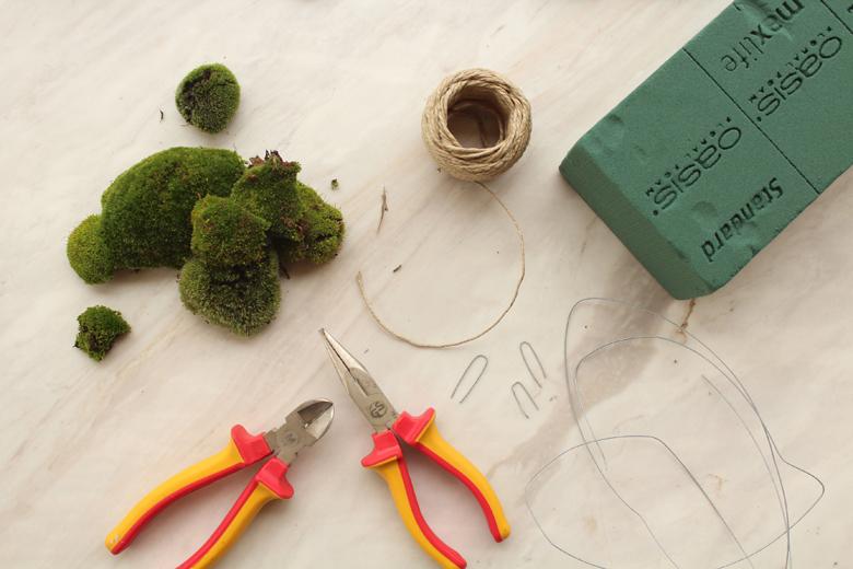 moss+balls+garland+%25281%2529.jpg